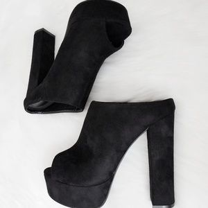 Liliana Lizzy Black Suede Velvet Chunky High Heel